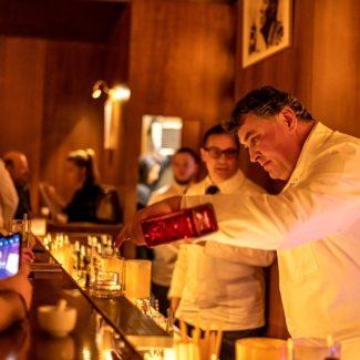 """Nach 23 Jahren wurde die Bar am Salzgries in """"Dino's Apothecary Bar"""" umgetauft"""
