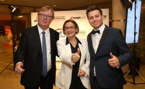 Peter Schaider (Der Unternehmer betreibt unter anderem das Auhof Center und das Riverside Shopping Center), Johanna Mikl-Leitner,Peter Schaider Junior