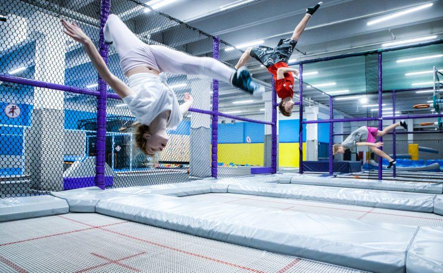 Akrobatik am Trampolin im Maxx21