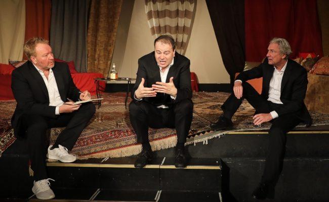 Die Schauspieler Marcus Strahl, Markus Schramm und Rudi Larsen