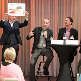 Klaus Candussi von atempo am Podium der APA-Comm Veranstaltung