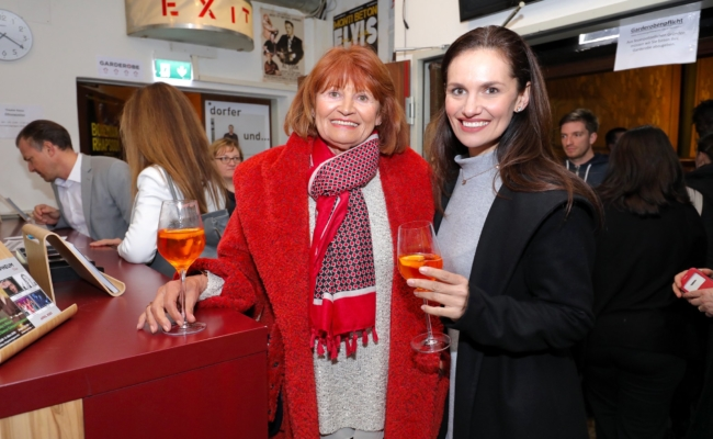 "Hildegard und Tanja Duhovich kamen zu ""Chill amal, Fessor"""