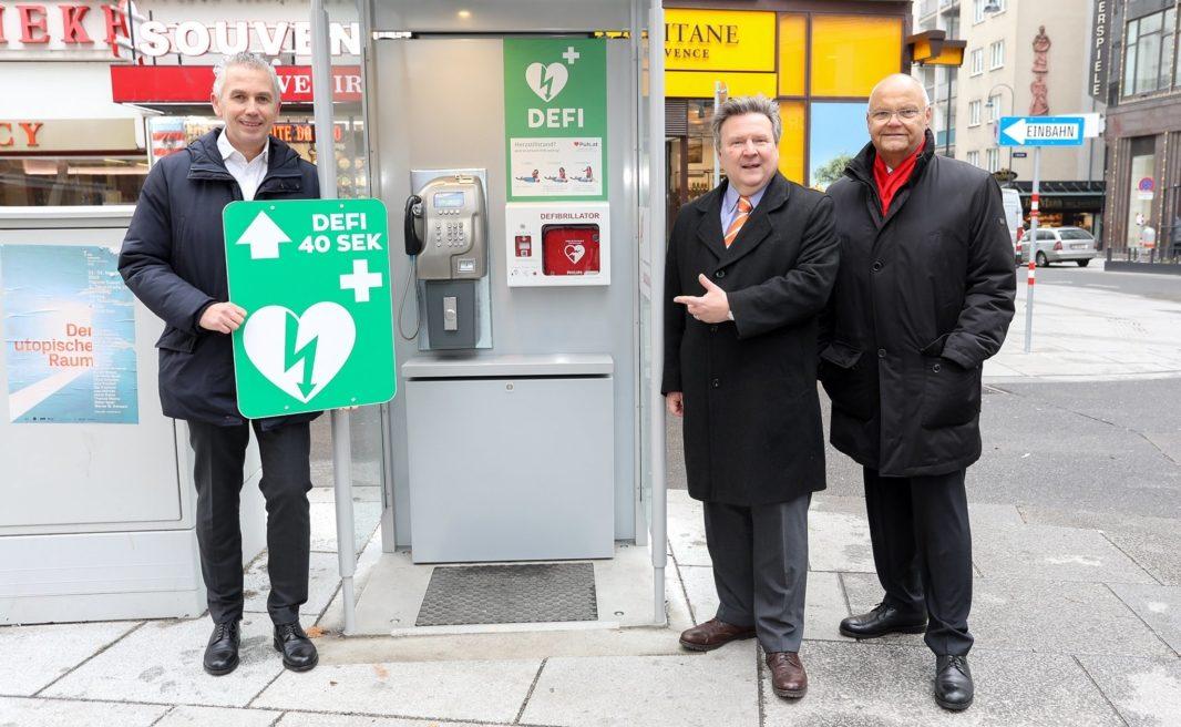 Wiener Telefonzelle mit Defibrillator gegen plötzlicher Herztod