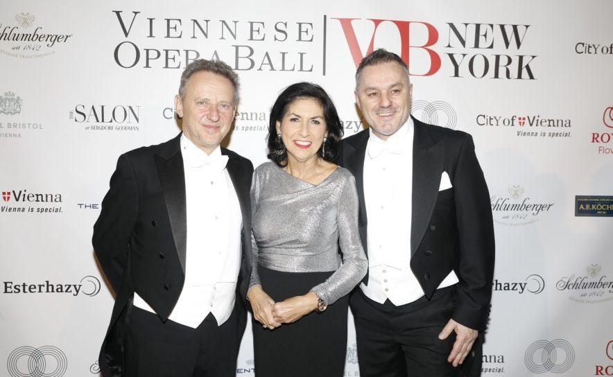 Ernst Woller, Danielle Spera, Klaus Panholzer beim Viennese Opera Ball