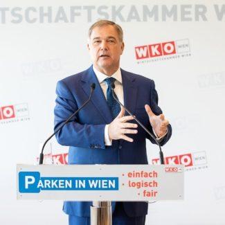 Rock fordert neue Parkpickerl für Wien in rot, grün und blau