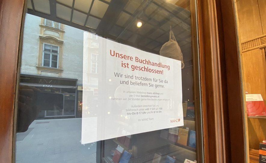 Geschlossene Buchhandlung am Kohlmarkt in Wien