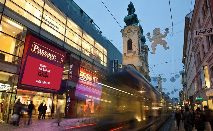 Roadside Passage in Linz mit Goldbach DOOH Display