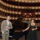 Staatsoperdirektor Bogdan Roscic und Anna Netrebko auf der Bühne der Wiener Staatsoper