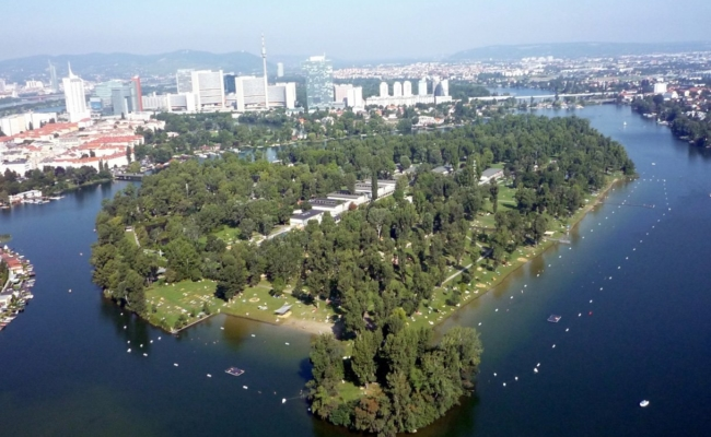 Sicherheitsauflagen wie Abstandsregeln gelten 2020 an der Alten Donau