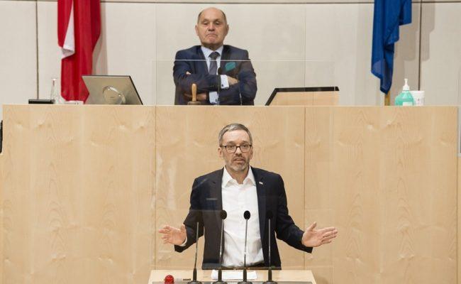 Klubobmann Herbert Kickl (F) am Rednerpult