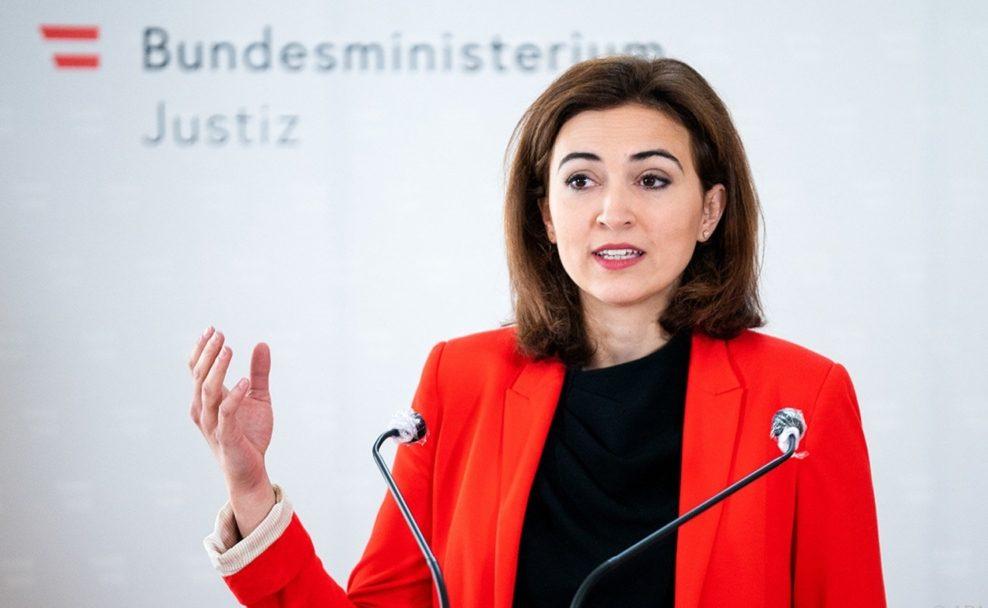 Justizministerin Alma Zadic will Gesetzesentwürfe gegen korrupte Politiker ausarbeiten