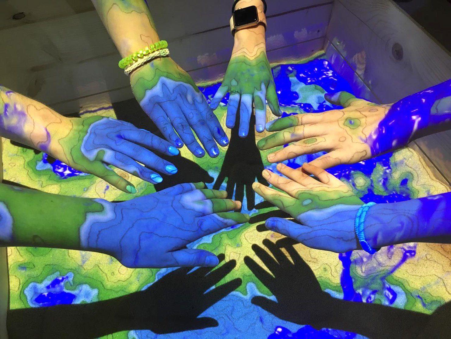 """Verein für Kultur und Bildung """"Friendship"""" bietet Sommer Feriencamps für Kinder und Jugendliche"""