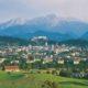 Blick auf die Stadt Salzburg nach Süden mit der Festung Hohensalzburg