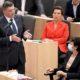 Jörg Leichtfried ohne Mund-Nasen-Schutz bei der Sitzung des Nationalrates