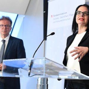 Gesundheitsminister und Kulturstaatssekretärin gaben Lockerungen im Bereich Kultur und Bäder bekannt
