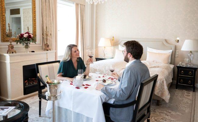 Die 152 Suiten und Zimmer im Hotel Sacher Wien gibt es auch für drei Stunden
