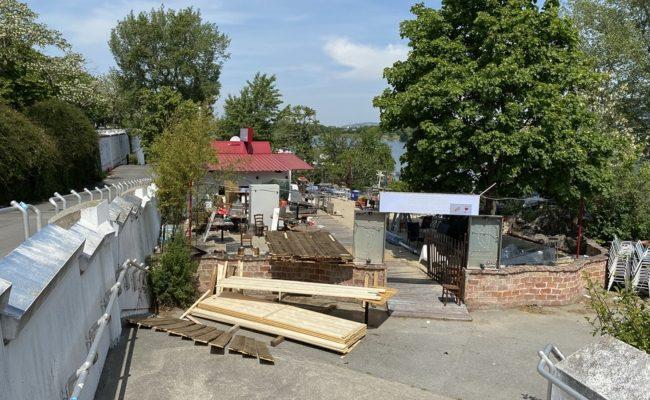 Sunken City Lokal auf der Donauinsel vor dem Feuer