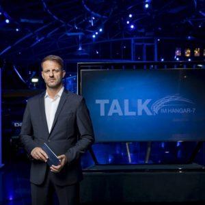 Talk im Hangar 7 Moderator Michael Fleischhacker auf ServusTV