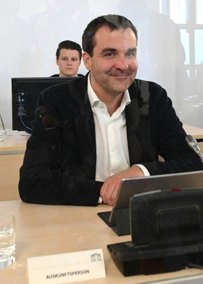 """Der als Zeuge geladene """"Falter""""-Chefredakteur Florian Klenk im Rahmen des Ibiza-U-Ausschusses"""