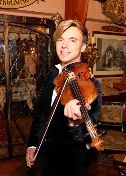 Yury Revich spielte beim Sommernachtsfest von Birgit Sarata im Marchfelderhof auf