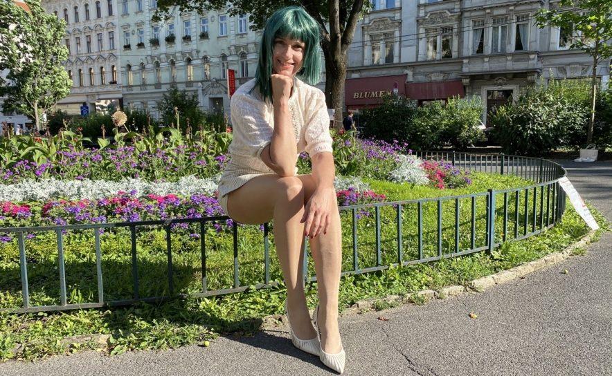 """Synyana in Wien beim Interview mit keymedia über ihren Hit-Song """"Wir Menschen"""""""