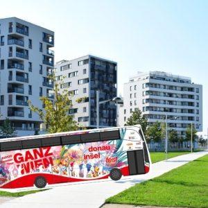 Der #dif20 Tourbus bringt täglich Pop-up-Acts in die Wiener Bezirke