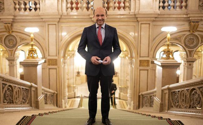 Meyer erhielt zum Abschied von der Wiener Staatsoper die Ehrenmitgliedschaft