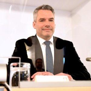 Innenminister Karl Nehammer steht den Ibiza-U-Ausschuss Rede und Antwort