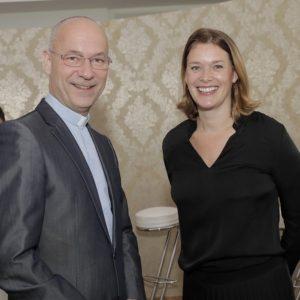 Dompfarrer Toni Faber und Park-Hyatt-Vienna-Direktorin Monique Dekker