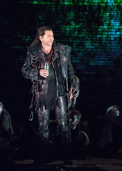 Heldentenor Andreas Schager auf der Bühne