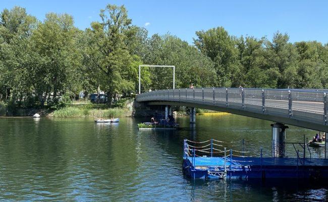 """Die Brücke ins """"Paradies"""" Gänsehäufel zu überqueren blieb vielen verwehrt"""