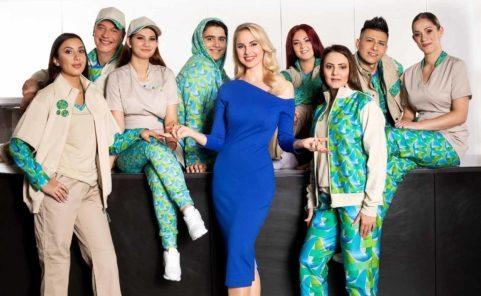 Mode-Shooting der neuen Uniformen mit Reinigungskräften der Firma Blitzblank und Silvia Schneider