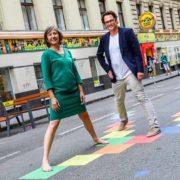 Birgit Hebein besucht Coole Straße in der Kandlgasse
