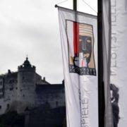 Grafikerin Leopoldine Wojtek schuf das Festival Logo der Salzburger Festspiele im Jahr 1928