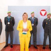 Verteidigungsministerin Tanner verabschiedet verdiente Heeressportler aus dem Dienst