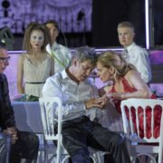 Gregor Bloéb (Jedermanns guter Gesell), Tobias Moretti (Jedermann), Caroline Peters (Buhlschaft), Ensemble