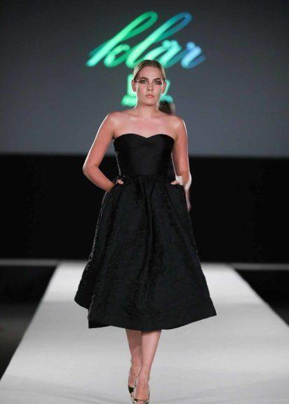 Mode von Klär Lov am Catwalk
