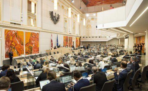 Die neuen Corona-Gesetze wurden vor der Beschlussfassung im Nationalrat kommentiert
