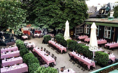 Heuriger Schübel-Auer mit einem der ältesten Gastgärten Wiens