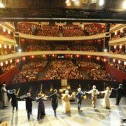 Schlussapplaus für Robert Meyer als Direktor der Volksoper Wien