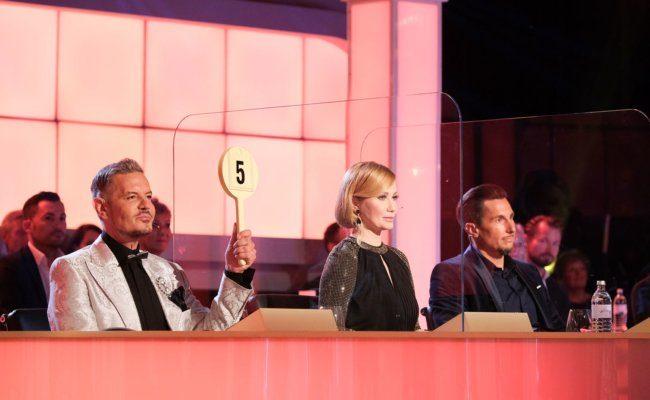 Jury bestehend aus Karina Sarkissova, Balázs Ekker und Dirk Heidemann