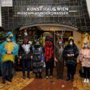 Pressekonferenz der Tiere im Kunst Haus Wien nachgestellt
