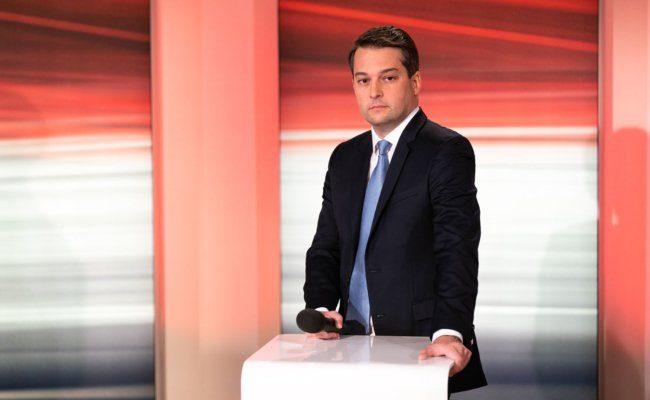 Die FPÖ mit Spitzenkandidat Dominik stürzt um mehr als 20 Prozentpunkte bei der Wien-Wahl ab