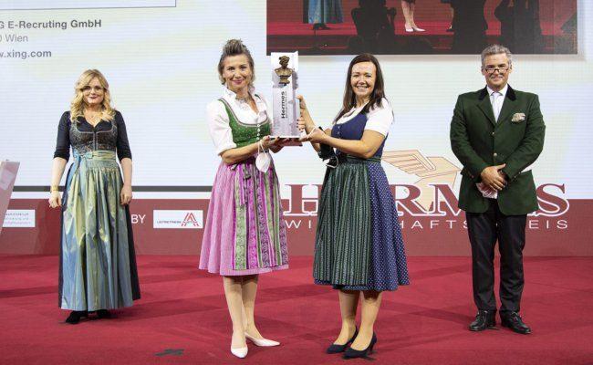 Monica Rintersbacher, Jutta Perfal-Strilka und Kristina Knezevic, Andreas Gnesda - Kategorie Dienstleistung