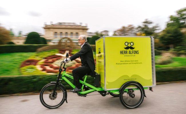 Abholung und Lieferung der Boxen mit dem Cargo-E-Bike
