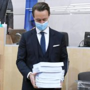 Finanzminister Blümel will an der Steuerreform festhalten