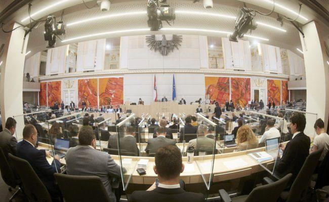 Am Präsidium Nationalratspräsident Wolfgang Sobotka (V)