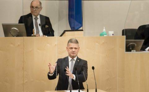 Nationalratsabgeordneter Andreas Hanger (ÖVP) verteidigt Budget der Regierung