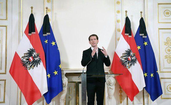 Bundeskanzler Kurz hält eine Ansprache wegen des Terroranschlags