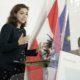 Alma Zadic (Grüne) und Karoline Edtstadler (ÖVP) präsentieren Regierungsvorlage zum Gesetzespaket gegen Hass im Netz